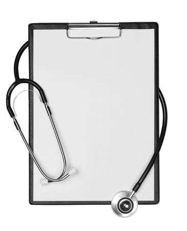 portapapeles: Portapapeles con el estetoscopio, el espacio para los mensajes. Aislado en blanco Foto de archivo