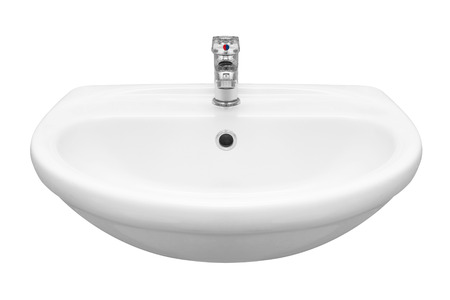 agua grifo: Lavabo aislado en blanco