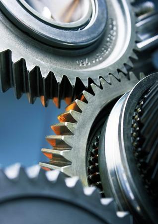 engranajes: Ruedas de metal de engranajes de cerca Foto de archivo