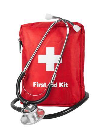 first aid kit: Kit de primeros auxilios con el estetoscopio, aislado en fondo blanco