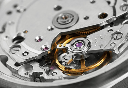 macro photo: Clock mechanism with gears, close-up.