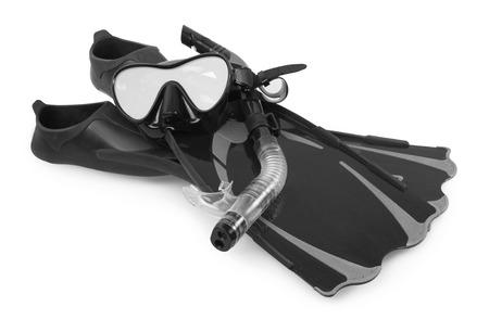 flippers: Snorkel, aletas y máscara de buceo, aislados en fondo blanco. Foto de archivo
