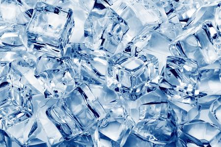 Los cubos de hielo de fondo de primer plano