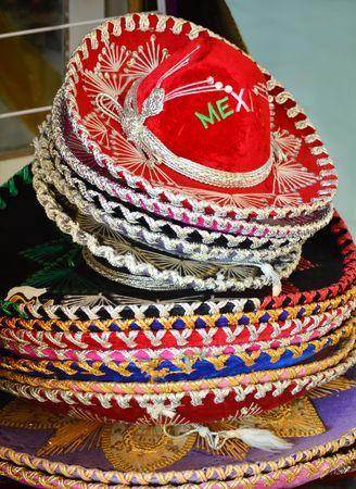 Tradicional Mexicana Sombreros Para La Venta A Bordo De Una Pantalla ... eb782b604ae