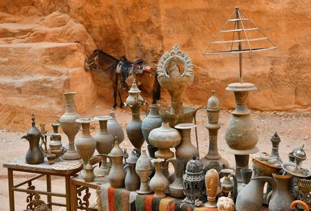 Souvenirs from Petra Wadi Musa Jordan Standard-Bild - 115689108