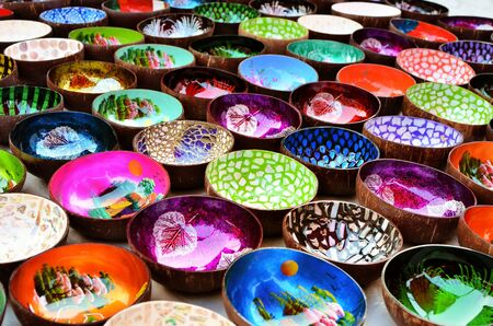 Souvenir colourfully lacquer bowls on the market in Luang Prabang, Laos 版權商用圖片