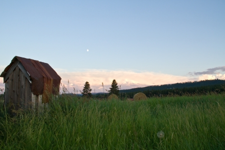 Out House Landscape 版權商用圖片 - 22500600