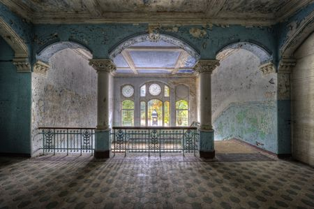 colonnade: Beelitz Heilstätten