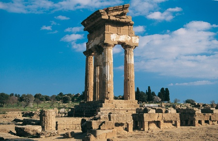 valley of the temples: Doric Greek Temple of Castor and Pollux, or Temple of the Dioscuri, in the Valley of the Temples in Agrigento, Sicily