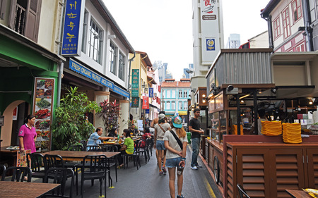 distinctly: SINGAPORE - JANUARY 03, 2015 : Singapore Chinatown is an ethnic neighbourhood featuring distinctly Chinese cultural elements and a concentrated ethnic Chinese population. Editorial
