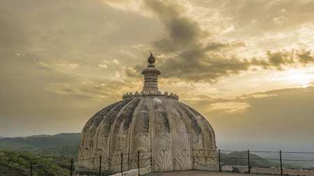dome of hindu temple: Kumbhalgarh Fort Dome and View of Mountains