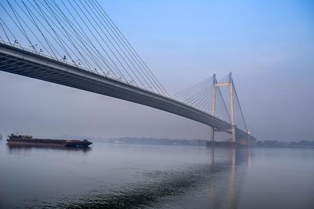 west river: Vidyasagar Setu Bridge, Hooghly River, Kolkata, West Bengal, India