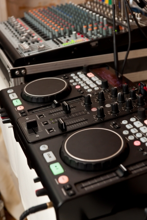 Set for the service of publicizing console DJ