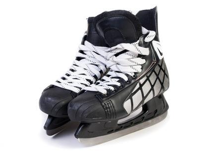ice skating: patines de hielo aislados sobre fondo blanco