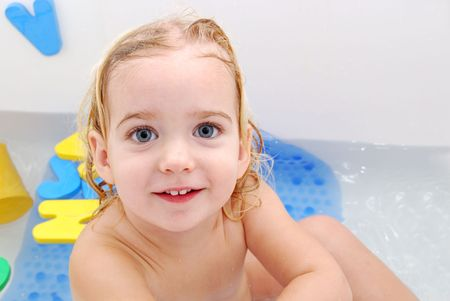 waster: toddler girl in bath tub
