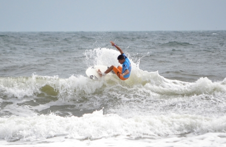 Virginia Beach, Virginia - AUGUST 25, 2012: Filipe Toledo competes at the 50th Annual Vans Coastal Edge East Coast Surfing Championships August 20- 26, 2012 in Virginia Beach, Virginia.  Redakční