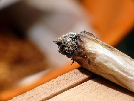 drogadiccion: Laminados en mano común
