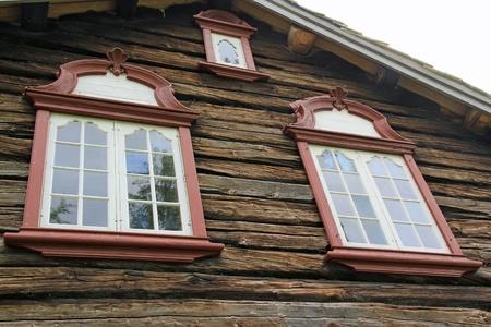 log wall: Old window