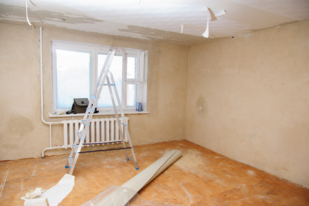 new site: preview apartment where renovations are taking place with the processing of all surfaces