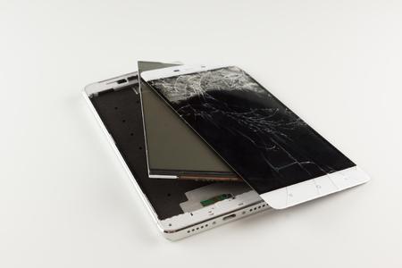 분리 된 예비 부품 휴대 전화로 파손 됨 스톡 콘텐츠