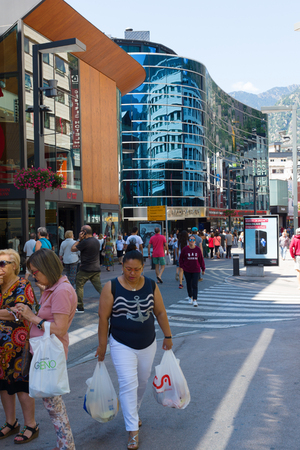 Andorra la Vella, Andorra - August 14, 2017: Andorra is the country with the smallest trade taxes. It is a tourist and commercial center of Europe. 新聞圖片