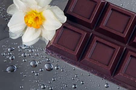 dark chocolate bar close up Фото со стока
