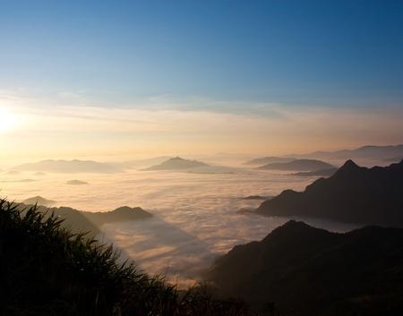 Mist und die Berge.