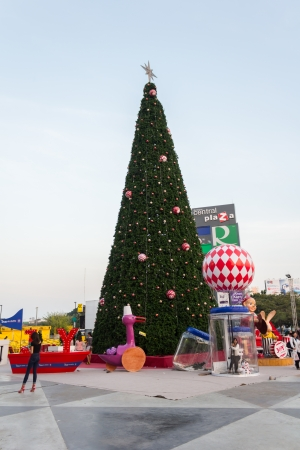 KHON KAEN,THAILAND - DECEMBER 21:  View of people watch the Christmast tree at Central Plaza Khon Kaen shopping mall on December 21,2013 in Muang, Khon Kaen
