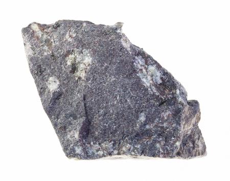Makrofotografie von natürlichem Mineral aus geologischer Sammlung - roher porphyritischer Basaltstein auf weißem Hintergrund Standard-Bild