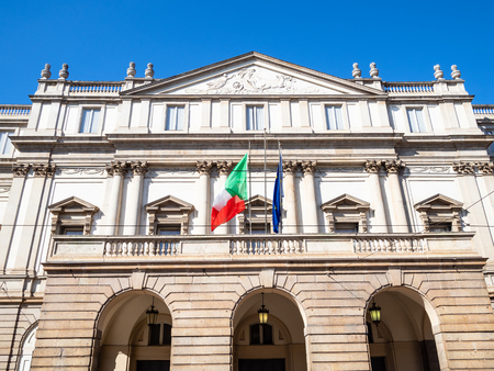 Travel to Italy - facade of opera house Teatro alla Scala a Milano in Milan city. Theatre La Scala was inaugurated in 1778in Milan city, Lombardy 版權商用圖片