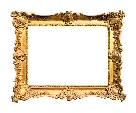 Vintage breit dekorierter barocker Gemälderahmen in goldfarbenem Ausschnitt auf weißem Hintergrund gemalt