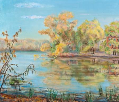 reflexion: R�o costa, amarillo, �rboles reflexi�n en el agua. Foto de archivo