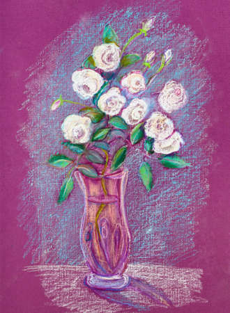 bouquet of white roses in glass vase Imagens