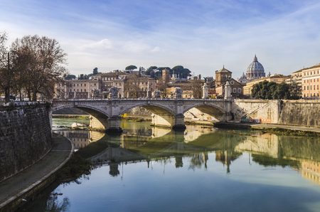 tiber: Rome, view of Vittorio Emanuele II bridge.