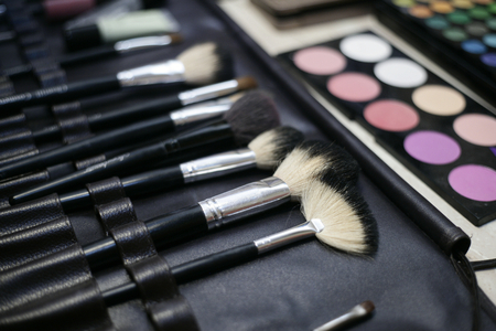makeup a brush: Taking styling and makeup