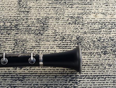 clarinet: Clarinet Bell en el fondo de Grunge Foto de archivo