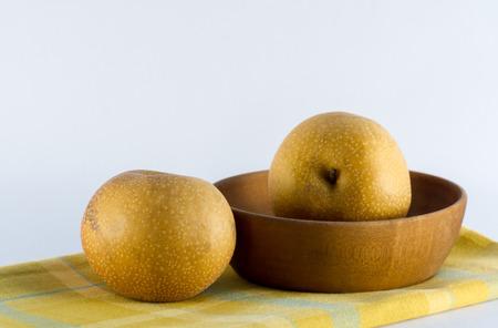 Asian Pears on Yellow Plaid Towel Reklamní fotografie