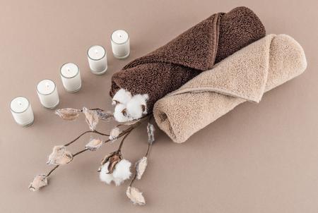 toalla: Spa de lujo Toallas de algodón rama y encendieron velas