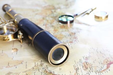 fernrohr: Jahrgang Hintergrund Wort Karte alle Explorer.
