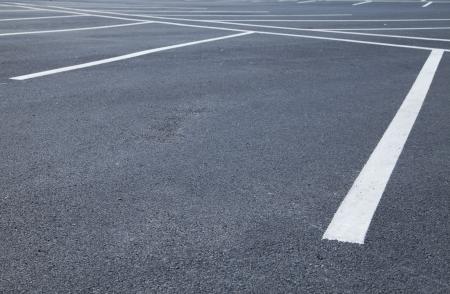 voiture parking: Hectares d'espaces de stationnement vides Banque d'images