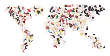 mapa do mundo formam comprimidos no branco.