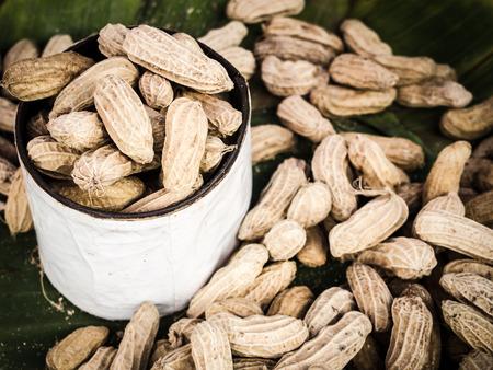 boil: Boil peanuts in market