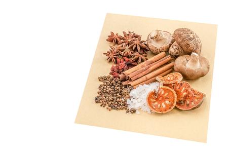 Čínské koření, byliny a přísady pro vaření polévky nebo medincine