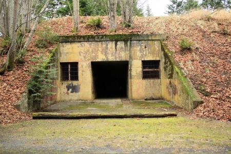 shelter: bomb shelter