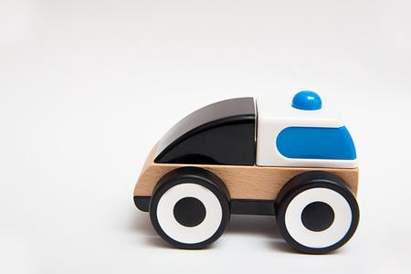 흰색 배경에 나무 장난감 자동차 스톡 콘텐츠