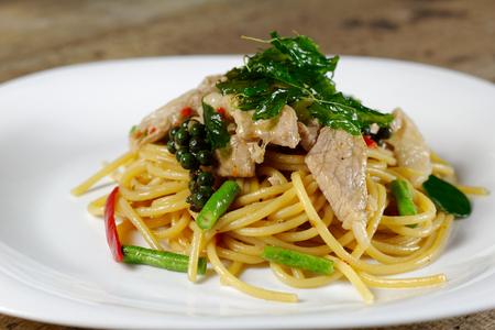 Spaghetti Stir Fried With Spicy Pork (pad kee mao)