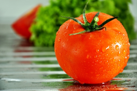 Fresh tomato Stock Photo - 14399744