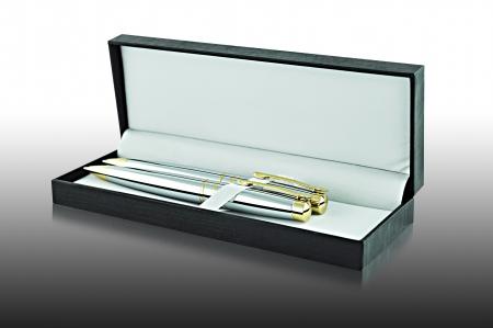 ball pens stationery: Dos bolígrafos en caso rectangular negro