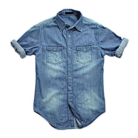 mezclilla: Camisa de jean azul con las mangas enrolladas Foto de archivo
