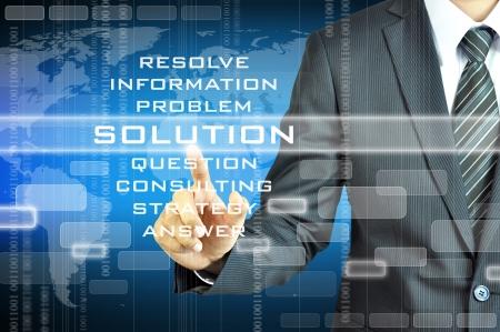 gestion: Empresario tocar signo SOLUTION en la pantalla virtual